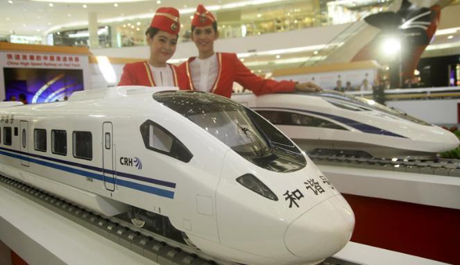 330203_pameran-kereta-cepat-china-di-senayan-city_663_382